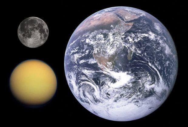 سطح آب های قمر تایتان سیاره مشتری، این ماه را بیشتر به زمین شبیه میکند