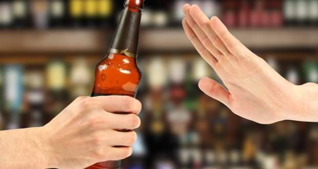 مضرات الکل- افزایش خطر ابتلا به سرطان با مصرف الکل