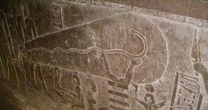 لامپ دندره ؛ نقش برجستهای معمولی یا سندی از وجود تکنولوژیهای پیشرفته باستانی؟!