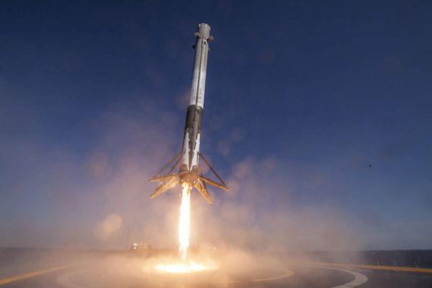 اسپیس ایکس در فرود هسته اصلی موشک فالکون هوی موفق نشد!