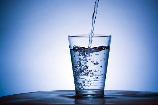 غرغره آب- راهکارهای درمان سرماخوردگی و آنفولانزا