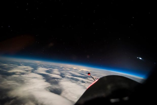 مجموعهی حیرتانگیز عکس های زمین از فضا در ارتفاع 21 کیلومتری