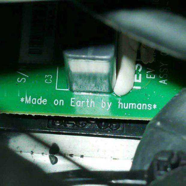 پخش زنده سفر آدمک مرد ستاره ای کمپانی اسپیس ایکس به سمت سیاره مریخ