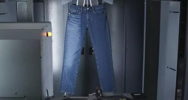کهنه کردن لباس های جین به کمک تجهیزات لیزری + ویدیو