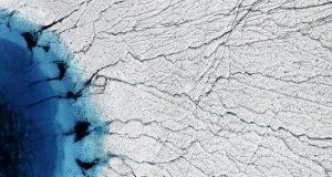 دریاچه های بزرگ گرینلند هرساله به طرز شگفتانگیزی ناپدید میشوند!