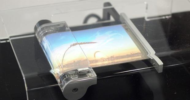 پتنتهای گوشی مجهز به نمایشگر رولی سامسونگ منتشر شد