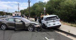 سیستم خودران اتومبیل های تسلا باز هم حادثه آفرید!
