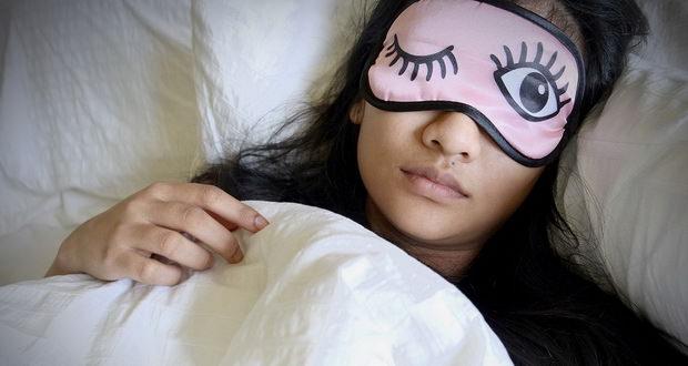 خواب دو مرحله ای سلامتی و بازدهی ما را بهبود میبخشد!