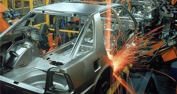 تخلف خودروسازان