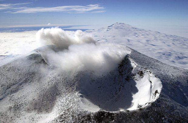 آتشفشان کوه اربوس در قطب جنوب