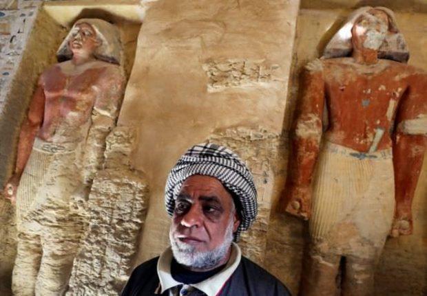 پایگاه خبری آرمان اقتصادی Egypt-11-620x431 کشف مقبره  جدید کاهن دربار فرعون با 55 مجسمه در مصر + عکس