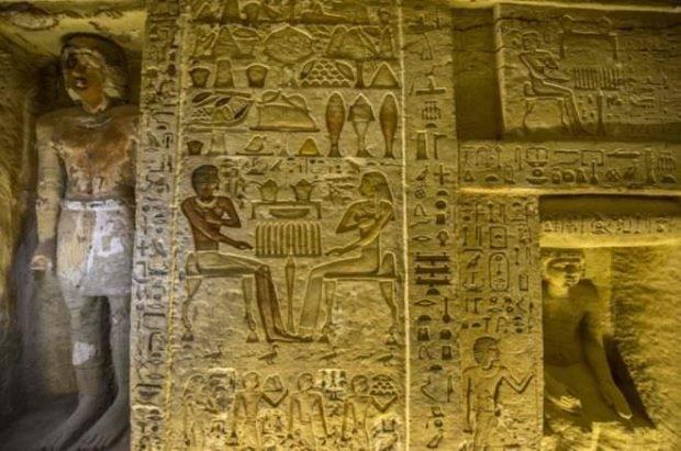 پایگاه خبری آرمان اقتصادی Egypt-4-620x411 کشف مقبره  جدید کاهن دربار فرعون با 55 مجسمه در مصر + عکس