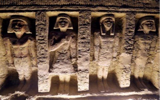 پایگاه خبری آرمان اقتصادی Egypt-5-620x386 کشف مقبره  جدید کاهن دربار فرعون با 55 مجسمه در مصر + عکس