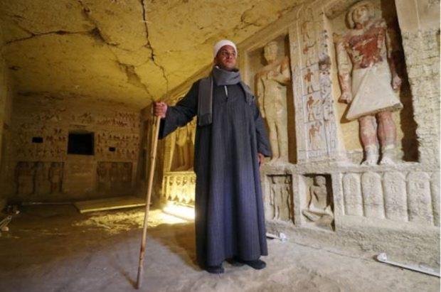 پایگاه خبری آرمان اقتصادی Egypt-6-620x411 کشف مقبره  جدید کاهن دربار فرعون با 55 مجسمه در مصر + عکس