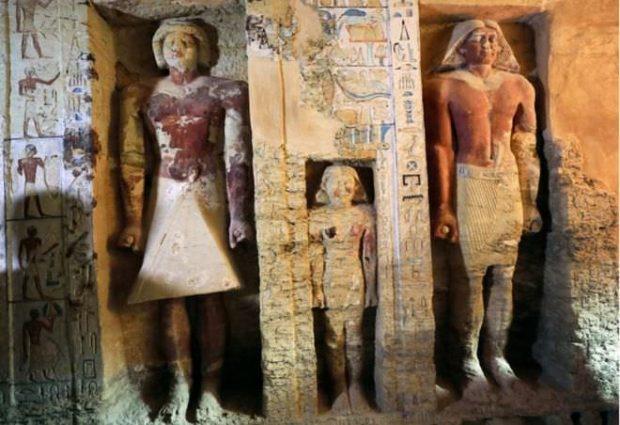 پایگاه خبری آرمان اقتصادی Egypt-7-620x425 کشف مقبره  جدید کاهن دربار فرعون با 55 مجسمه در مصر + عکس