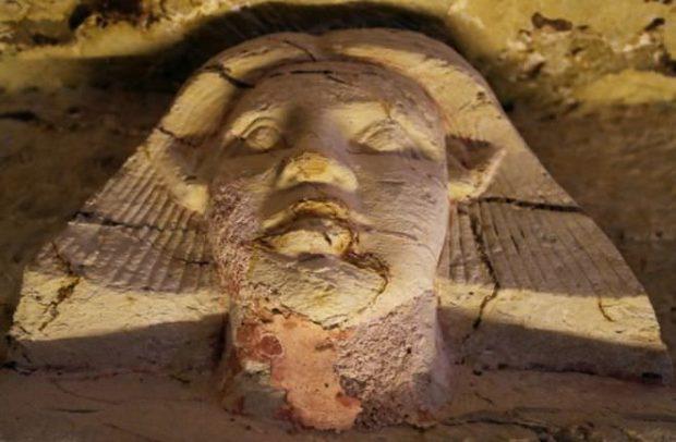 پایگاه خبری آرمان اقتصادی Egypt-9-620x406 کشف مقبره  جدید کاهن دربار فرعون با 55 مجسمه در مصر + عکس