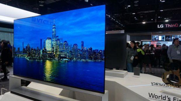 تلویزیون 88 اینچی 8K ال جی