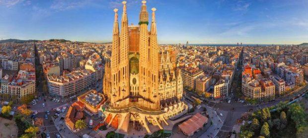 پایگاه خبری آرمان اقتصادی Barcelon-620x279 بهترین مقاصد گردشگری سال ۲۰۱۹