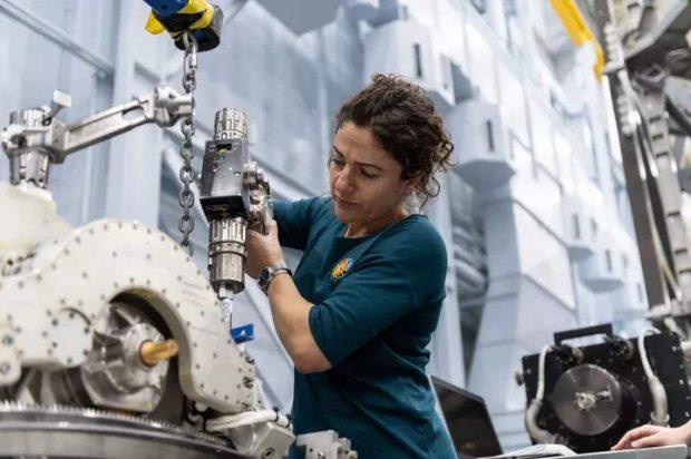 فضانورد زن ناسا