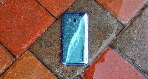 آپدیت اندروید پای برای HTC U11