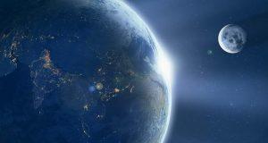 خروج ماه از مدار زمین