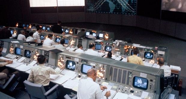 مرکز کنترل ماموریت آپولو
