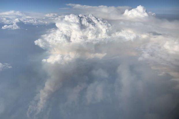 ابرهای آتشین