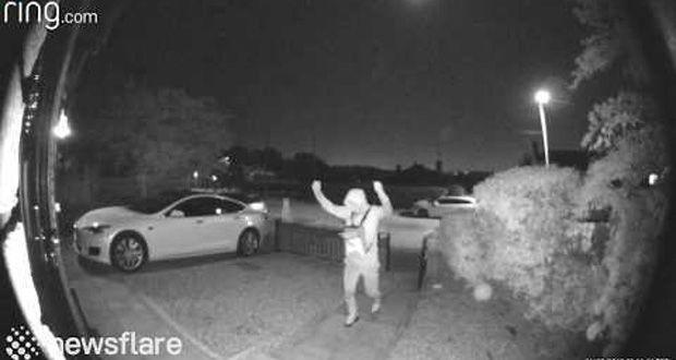سرقت خودروی تسلا در کمتر از 30 ثانیه در انگلستان!