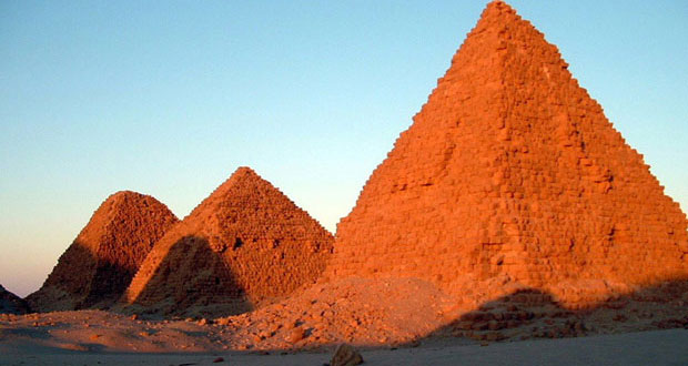 مقبره فرعون های سیاه