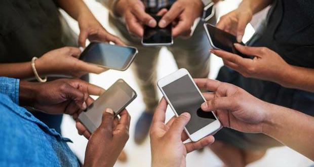 زنگ خطر برای اعتیاد جوانان به گوشی هوشمند به صدا در آمده است