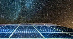 تولید برق در تاریکی شب با پنل خورشیدی شبانهروزی!
