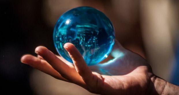 این کامپیوتر کوانتومی 16 ورژن از آینده را پیش بینی میکند!