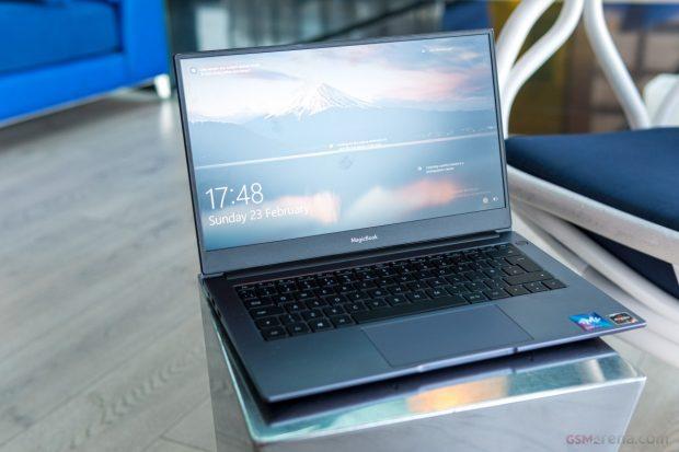 نسخه جدید لپ تاپ آنر مجیک بوک