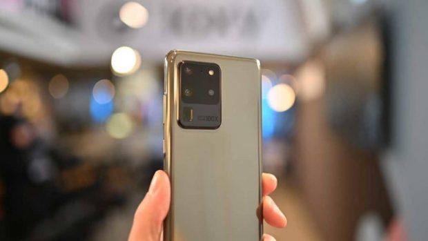 بهترین نمایشگر OLED موبایل