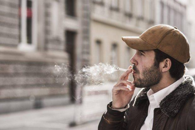 هشدار جدی کارشناسان در مورد خطر بیماری کرونا برای سیگاریها