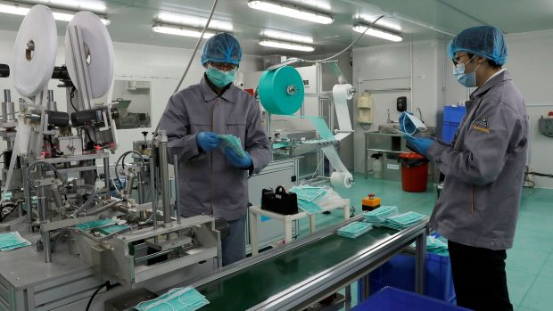 کارخانه تلویزیونسازی شارپ به کارگاه تولید ماسک تنفسی تبدیل میشود!