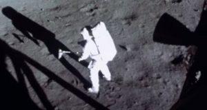 هوش مصنوعی به فیلم های قدیمی فرود روی ماه جان دوباره داده است+ویدیو