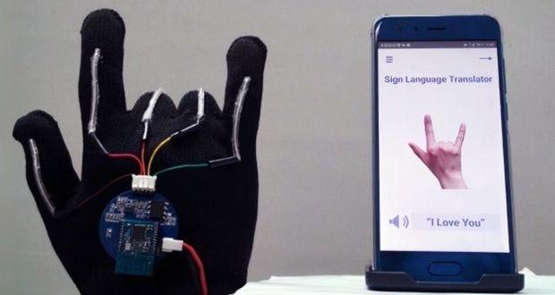 این دستکش شگفتانگیز زبان اشاره را ترجمه میکند+ویدیو