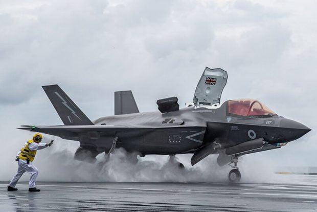 ناو هواپیمابر کره جنوبی شناور میزبان جنگندههای F-35