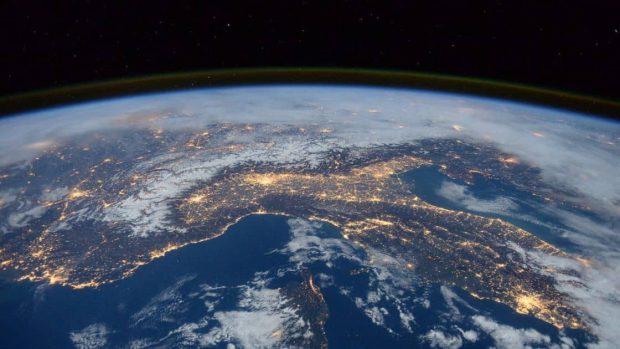 خطر برخورد دو زباله فضایی چین و روسیه دانشمندان را نگران کرد