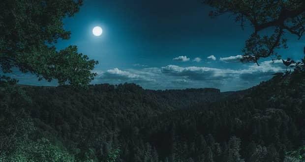 مردم قبل از ماه کامل دیرتر از همیشه میخوابند