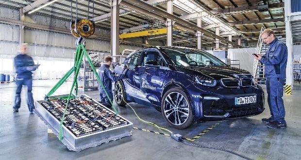 تعویض باتری خودروهای برقی