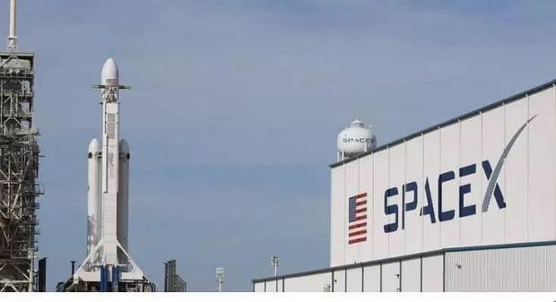 دیش های سیار استارلینک اینترنت اسپیس ایکس را به وسایل نقلیه میرسانند