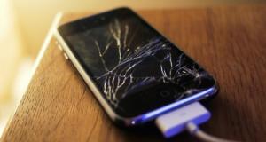 شکستن نمایشگر گوشی