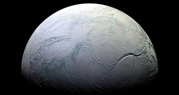قمر انسلادوس زحل
