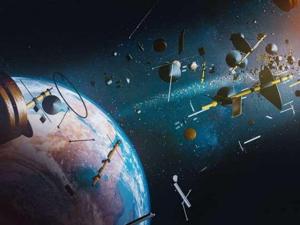 ماهواره ها در فضا