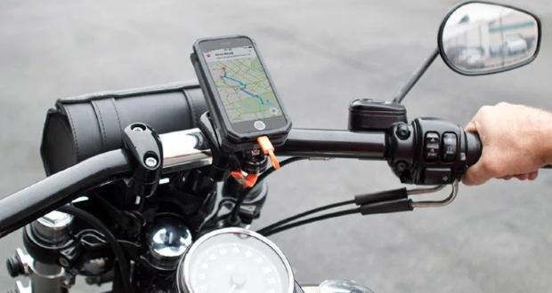 آسیب موتور سیکلت به دوربین آیفون ها